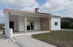 High Spec 3 Bed Bungalow with Garage and 1 acre of land and beautiful views near Penela