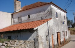 Central Portugal 2 bedroom cottage for sale near Ourem