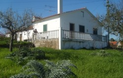 3 country cottages with land for sale near Tomar central Portugal