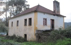 Two storey stone cottage for sale  near  Cernache do Bonjardim  central Portugal