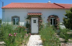 3 bedroom farmhouse  for sale near Tomar central Portugal