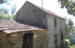 BARGAIN PRICE!! Stone buildings for sale near Sertã central Portugal