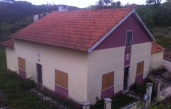 A 2 bed house in need of some renovation work for sale near Ferreira do Zêzere
