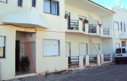 2-3 bedroom apartment with two bathrooms in a quiet lane near the center of Sertã.