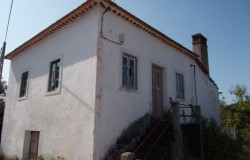 Detached 2 Bed with Reception traditional Country house with views for sale near Alvaiazere, Central Portugal