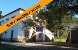 SOLD//// Detached 3 Bed Traditional Portuguese Farmhouse with Large Annex and Land