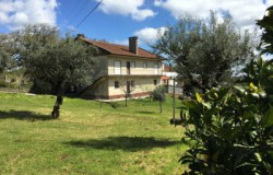 Large 5 Bed 300sqm detached house with 2 bed cottage, stone Barn, mountain views and borehole