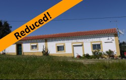A cute little property in a very quiet location but still within walking distance to amenities for sale close to Tomar