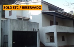 A building with 3 independent apartments with land joining onto the river for sale in Lago Azul