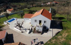 REDUCED // 4 Bed Country home, pool, garage, workshop, annex, private drive, fruit trees, stunning views close to Ansião