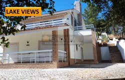 Modern three bedroom house only 300 meters from the shores of the Castelo do Bode lake.
