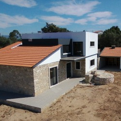 Modern 3 bed converted house with attractive stone features, garage, outdoor BBQ area space for pool near Ansião at Ansiao for 180000
