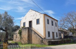 A country property with a barn and 23,640sqm of land for sale near Tomar and Ferreira do Zêzere