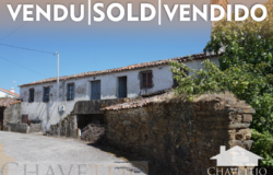 A village property with land and good views and only 10 minutes away from a river beach for sale near Vila de Rei