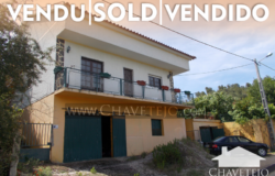 A bargain country property sat in a peaceful location for sale near Tomar, central Portugal