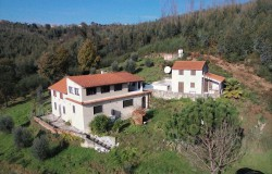 House with guest accommodation, private road, water mine, stunning views close to the river & Dornes