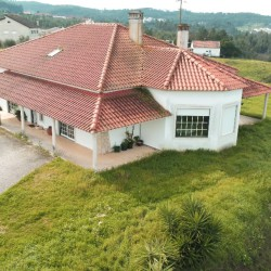 A tastefully decorated and well maintained, 3 bed family home for sale near Tomar, Central Portugal at Tomar for 185000