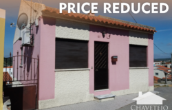 A pretty two bedroom country property with great views in a perfectly habitable condition for sale only 15 minutes from Tomar