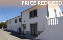 Large stone build family home with an annex and a nice plot of land in a small hamlet to sell