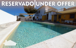 3 Bed stylishly home (3rd bedroom it's an independent guest flat), large pool area, 1.8 acres of flat land of Tuscan like views near Alvaiázere