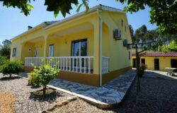 3 bedroom house with garage for sale near Tomar