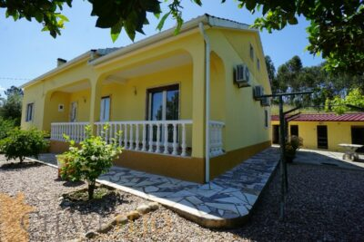 House with garage for sale near Tomar