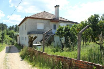 A five bedroom country house full of potential, with annex, for sale, near Tomar