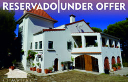 Wonderful renovated property with swimming pool and garage, near Tomar and Ourém