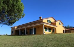 Wonderful property with annexes and garden, for sale near Tomar, Central Portugal