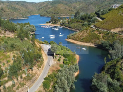 Building with 3 apartments for sale in Lago Azul