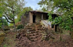 Old stone house in a idyllic location for sale in Central Portugal