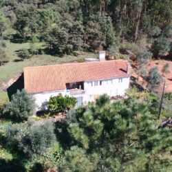 Traditional 2 bed farmhouse, Garage, annexes, approximately 1/2 of an acre of Land, very private with fantastic views of the mountain, near Alvaiázere at Alvaiazere for 100000