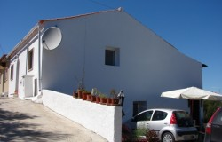 3 bedroom semi-detached house for sale near Tomar central Portugal
