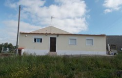 Renovated 3 bed house with land for sale near Tomar