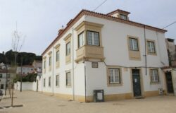A beautiful, one of a kind manor house with a gorgeous garden, right in the middle of Tomar