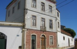 4 Storey Period Townhouse for sale in central Portugal